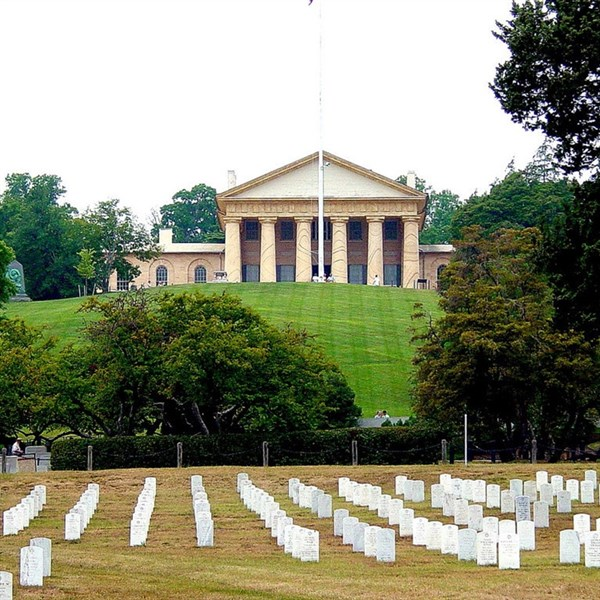 Arlington National Cemetery Tour & Gadsby's Tavern
