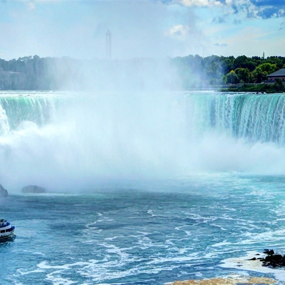 Niagara Falls & Africian Safari