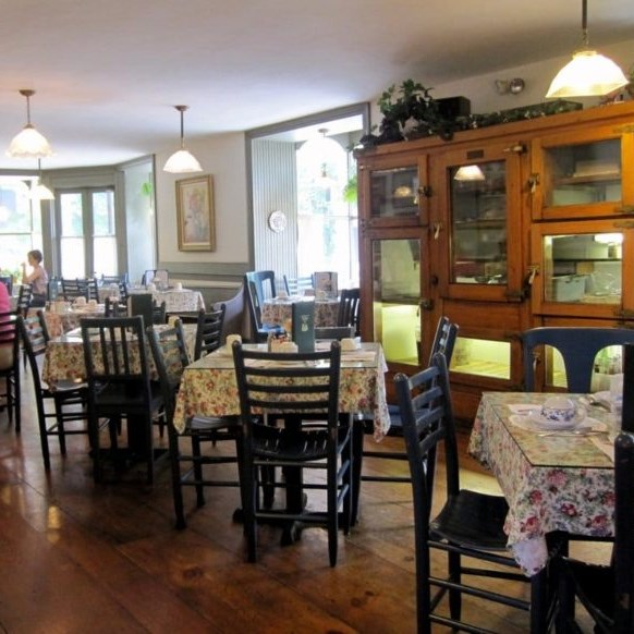 Tour: Christmas Tea At Red Brick Tea Room In Red Lion, PA