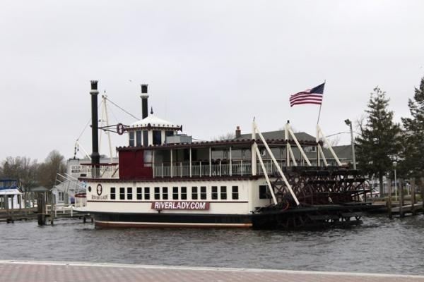 River Lady Lunch Cruise & Historic Smithville